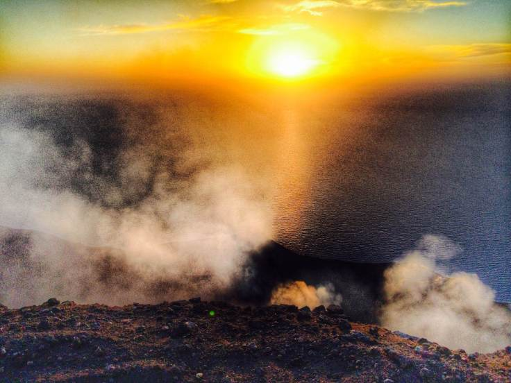 We made it! This is insane. When the sunset we could see the erupting lava!